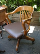 L151 Krug Swivel Office Chair New Green Leather Seat   There Are Many More  Office Chairs